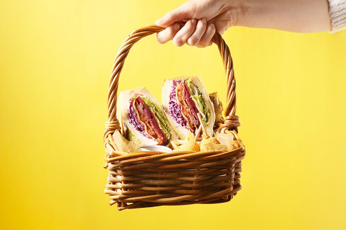 スヌーピーミュージアム『スヌーピーと、きょうだい。』の連動メニュー「スヌーピーブラザーズサンドイッチ」